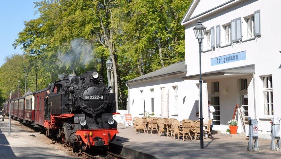 Historisches-Bahnhofsgebaeude.jpg_150088