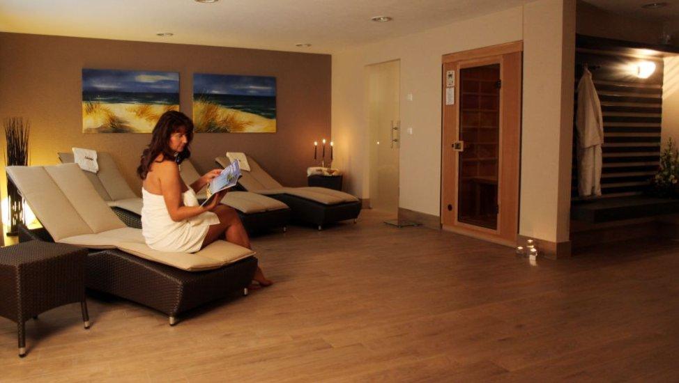 hotel edison in k hlungsborn. Black Bedroom Furniture Sets. Home Design Ideas