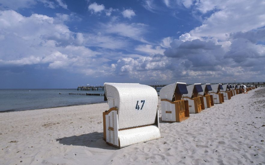 Typical Baltic Sea: Beach chairs, © Tourist-Information Bad Doberan Heiligendamm