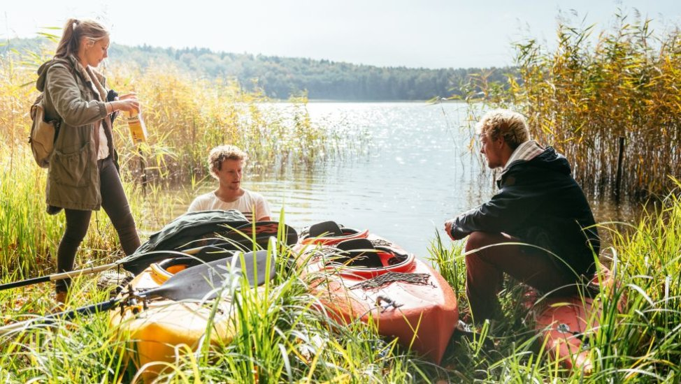 Paddling with friends, © Tourismusverband Mecklenburg-Vorpommern, T. Roth